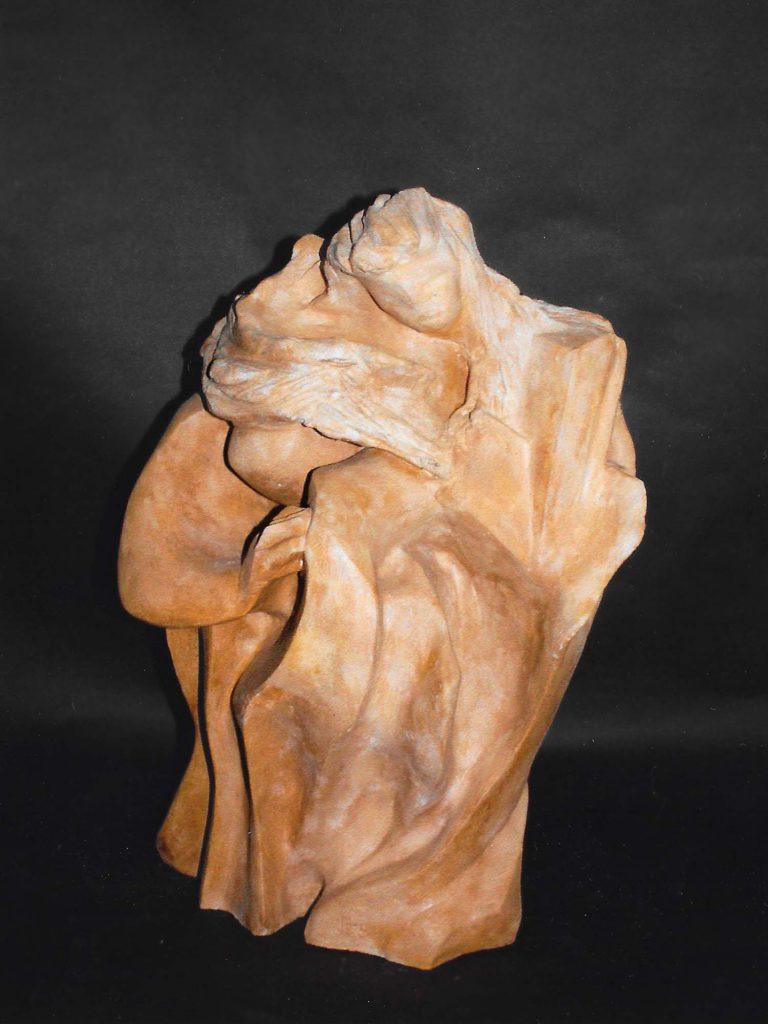 Sculpture en terre de l'artiste Inge
